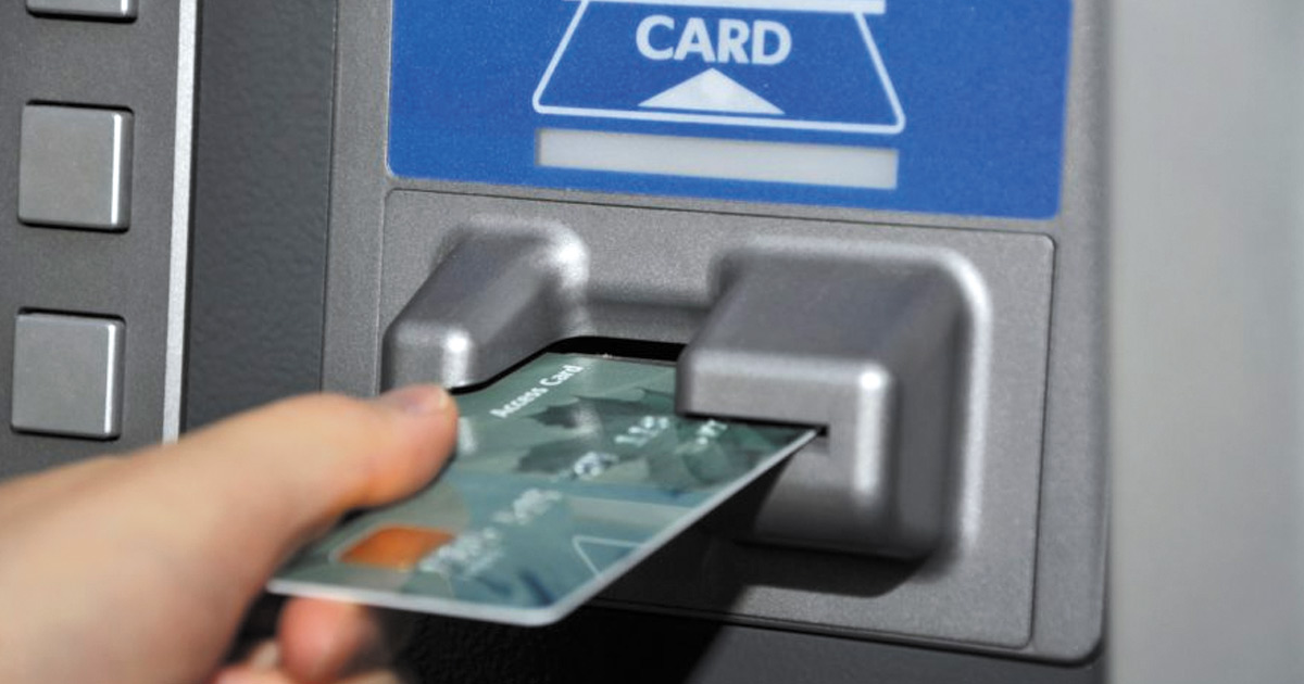 http://meranews.in/backend/main_imgs/ATM-CARD_starting-next-year-atms-wont-be-reloaded-with-cash-after-9-pm_0.jpg