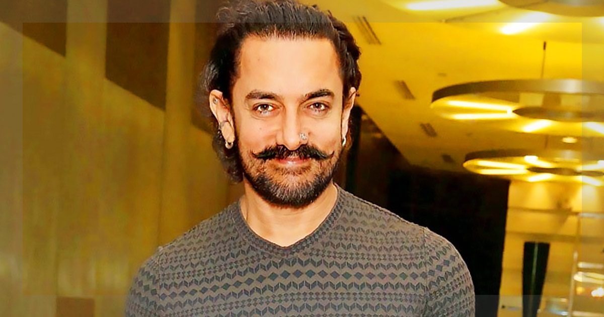 http://meranews.in/backend/main_imgs/AamirKhan1_aamir-khan-urges-students-to-join-shramdaan-for-paani-foundation_0.jpg