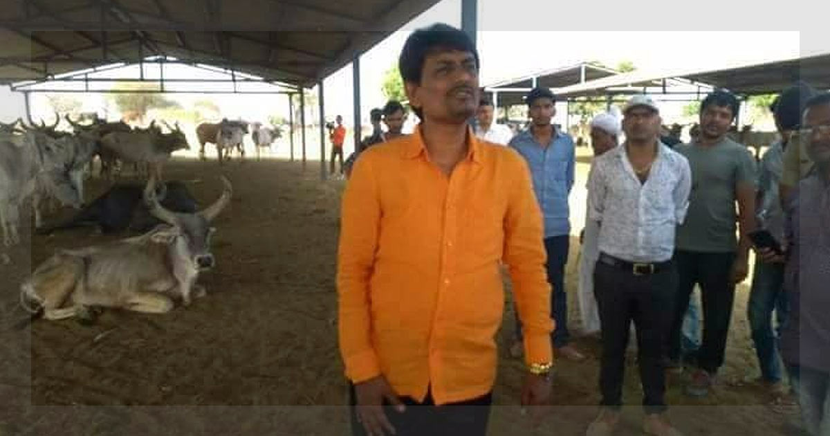 http://meranews.in/backend/main_imgs/Alpesh-Thakor_alpesh-thakor-tells-state-government-to-stop-playing-politics-over-cows_0.jpg
