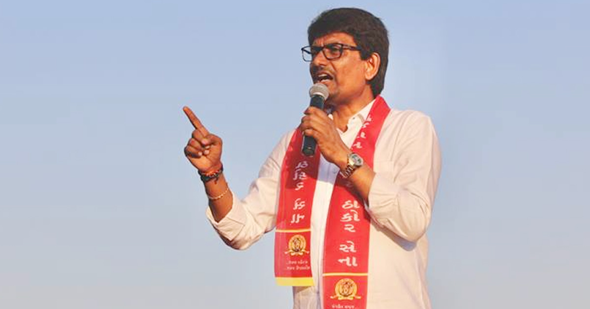 http://meranews.in/backend/main_imgs/AlpeshThakor_government-must-declare-radhanpur-santalpur-and-sami-drough-hit-alpesh-thakor_0.jpg