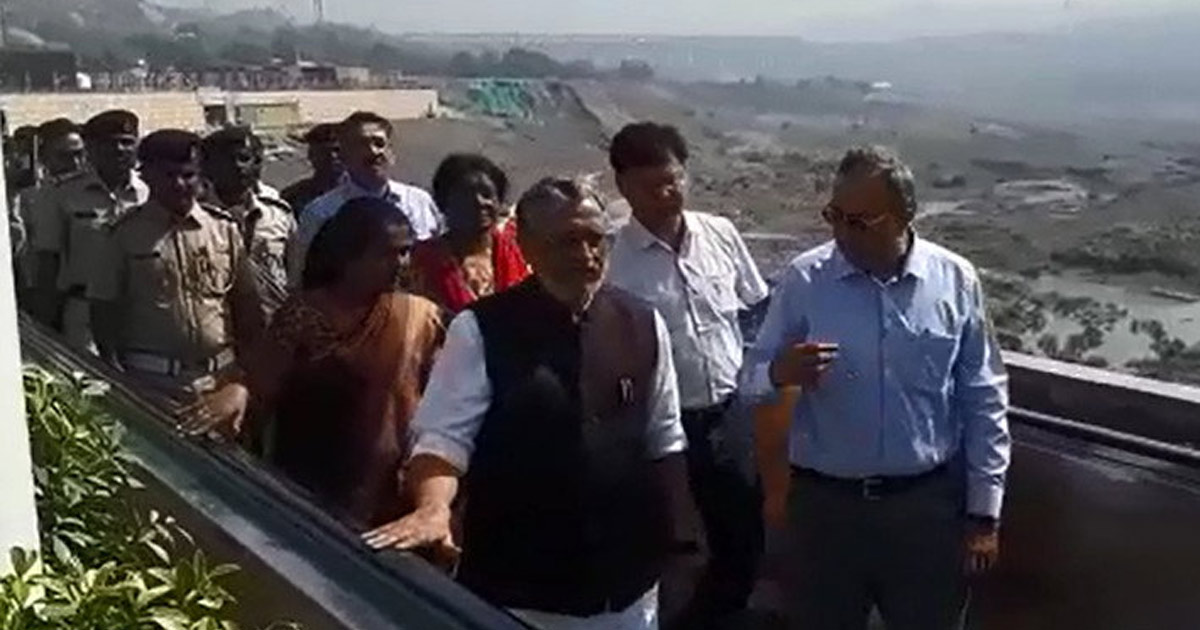 http://meranews.in/backend/main_imgs/Saurabh-Patel_when-saurabh-patel-and-bihar-dy-cm-sushil-modi-got-stuck-in-lift-inside-statue-of-unity_0.jpg