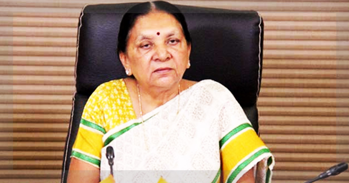 http://meranews.in/backend/main_imgs/anandiben-patel_anandiben-patels-appointment-as-mp-governor-designed-to-keep-her-away-from-gujarat-politics_0.jpg