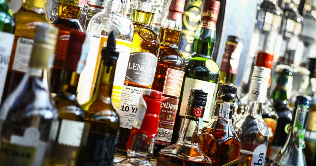 http://meranews.in/backend/main_imgs/eng-liquor_new-rules-for-health-permit-to-buy-liquor-in-gujarat_0.jpg