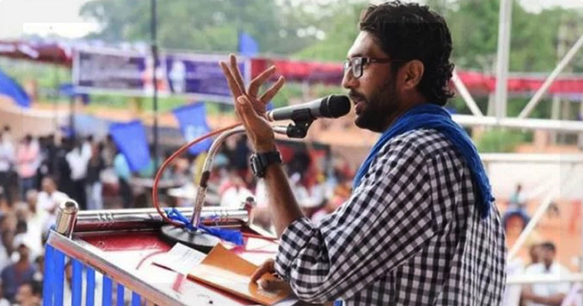 http://meranews.in/backend/main_imgs/jigneshmewani_jignesh-mevani-to-be-accorded-grand-welcome-in-rajasthan-to-arrive-in-a-convoy-of-51-cars_0.jpg