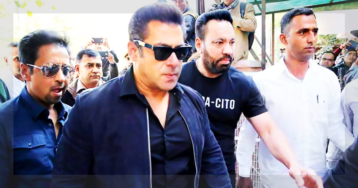 http://meranews.in/backend/main_imgs/salaman_salman-khan-gets-bail-in-blackbuck-poaching-case_0.jpg