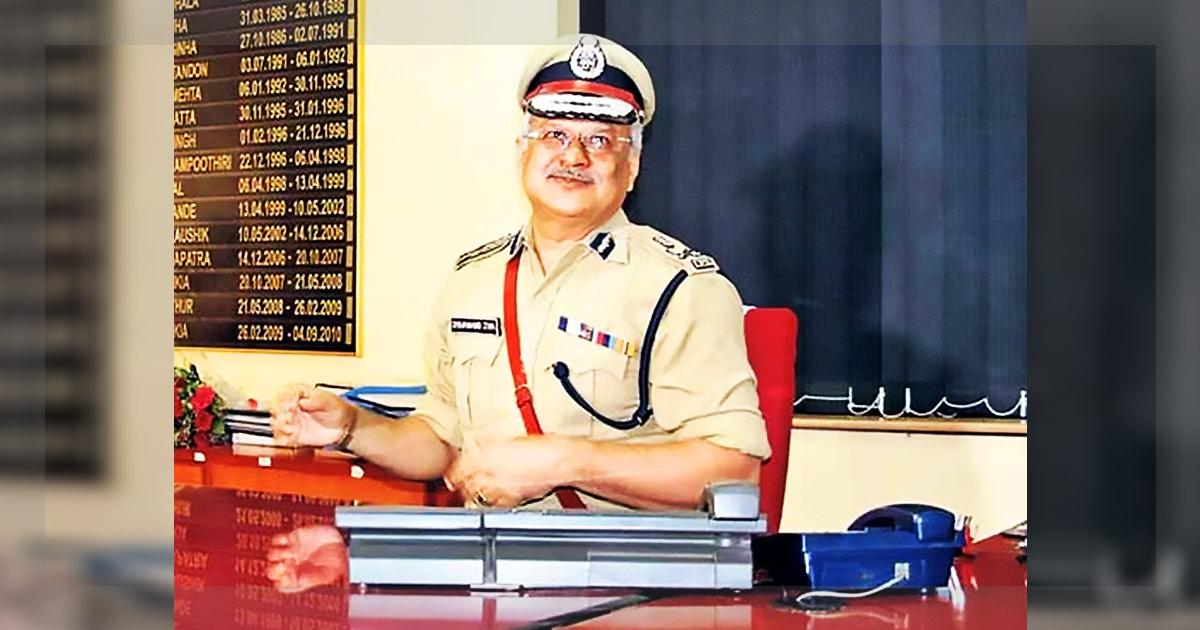 http://meranews.in/backend/main_imgs/shivj_dgp-shivanand-jha-revives-grievance-redressal-committee-for-policemen_0.jpg